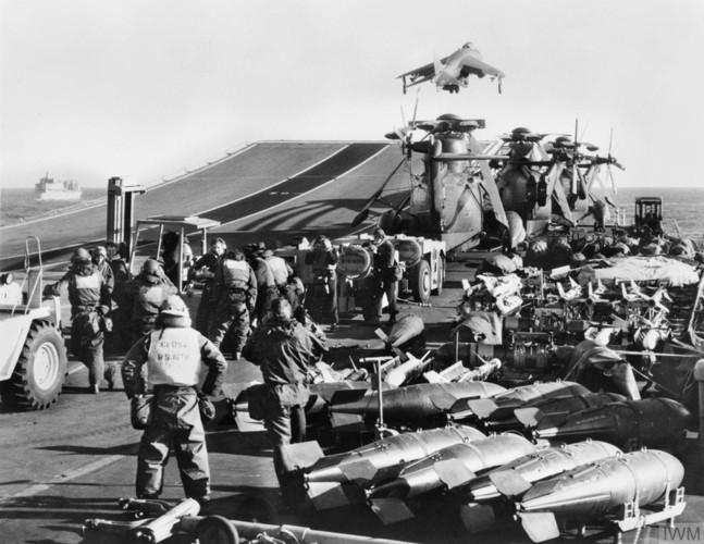 Nhìn lại cuộc chiến Falkland 37 năm trước - ảnh 7