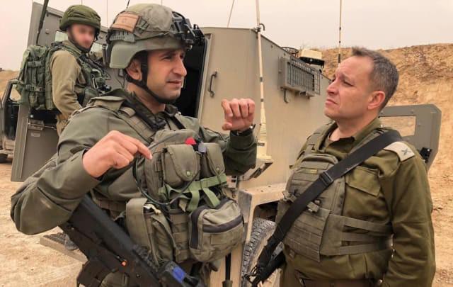 Israel vũ trang tận răng để chống người Palestine biểu tình ở biên giới Gaza - ảnh 6