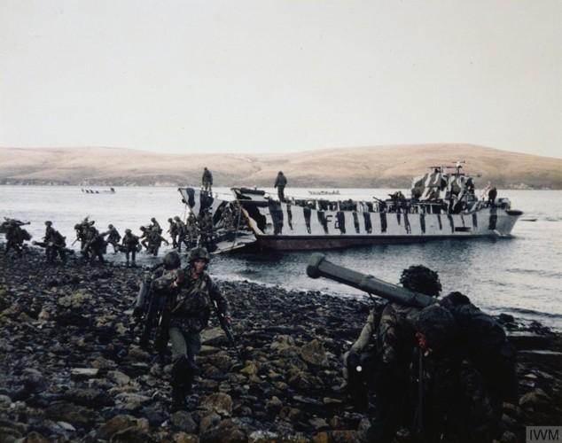 Nhìn lại cuộc chiến Falkland 37 năm trước - ảnh 8
