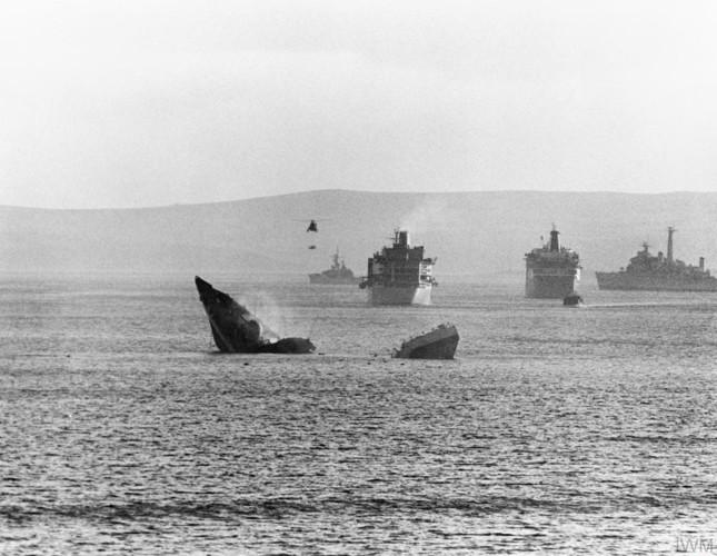 Nhìn lại cuộc chiến Falkland 37 năm trước - ảnh 9