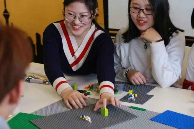 Trường Đại học Trung Quốc tích hợp LEGO vào giảng dạy các môn học trừu tượng - Ảnh 3.