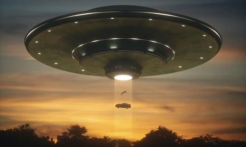 UFO thực chất là cỗ máy thời gian du hành từ tương lai? - Ảnh 1.