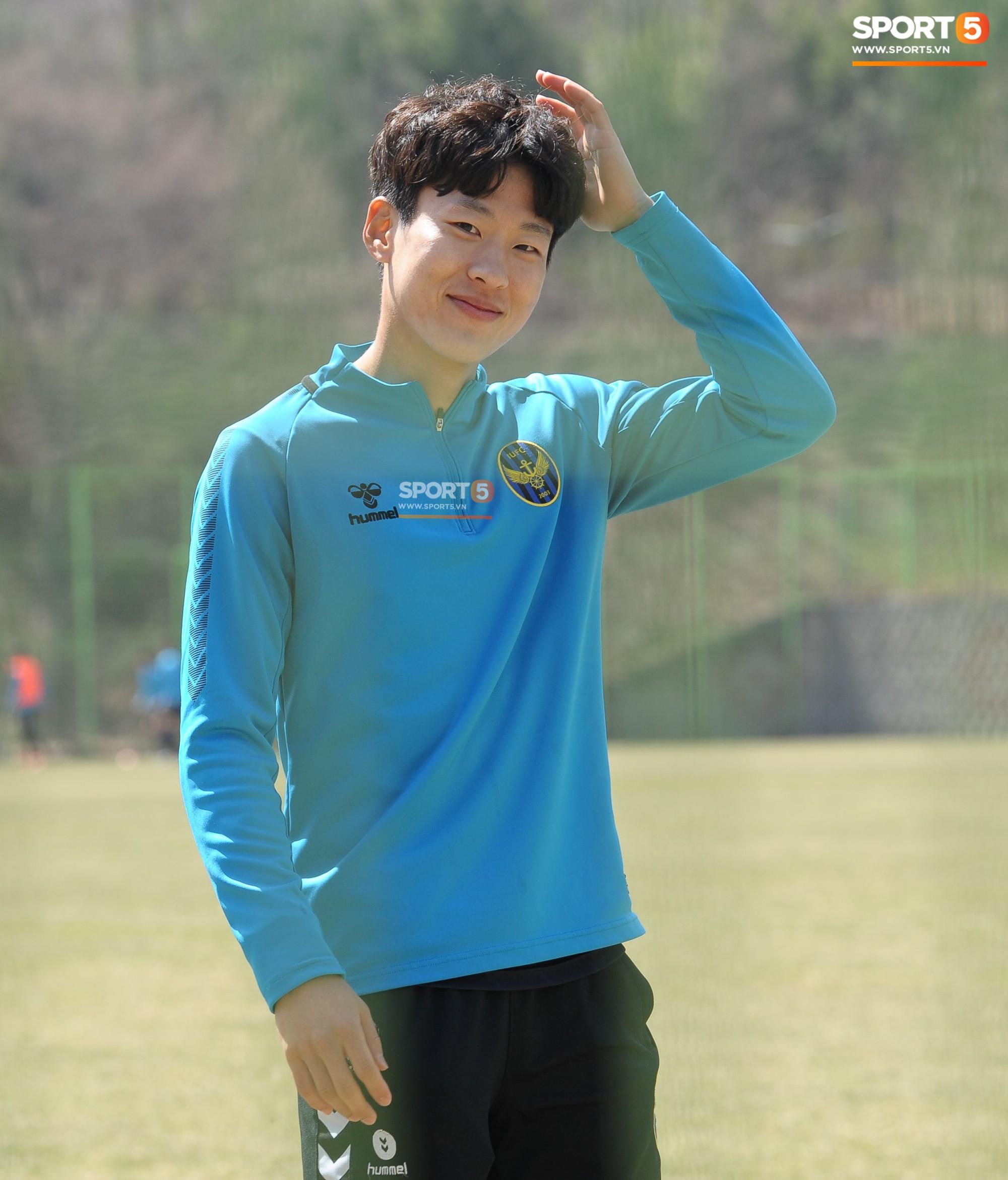Ngắm các đồng đội của Công Phượng tại Hàn Quốc, fan trầm trồ: Đá