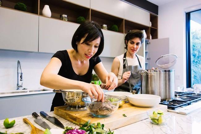 Vua đầu bếp Mỹ gốc Việt Christine Hà mở nhà hàng đầu tiên: 7 năm vinh quang, đối mặt sóng gió và thực hiện ước mơ từ nồi cá trê kho - ảnh 13