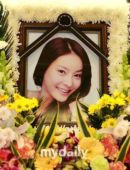 Hé lộ thêm bí mật vụ án Jang Ja Yeon tự tử: Xuất hiện nhân vật quyền lực, liên tục liên lạc cưỡng ép  - Ảnh 4.