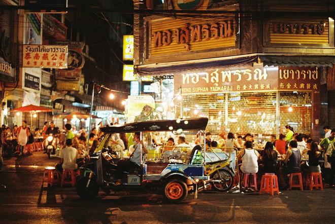 Tháng 4 nhà nhà thi nhau đi Thái, nhưng đã biết mấy chỗ ăn ngon ở Chinatown này chưa? - Ảnh 2.