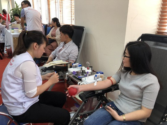 Bộ Y tế lên tiếng vụ xuất khẩu huyết tương từ chế phẩm máu toàn phần - Ảnh 1.