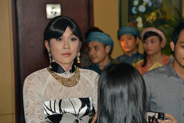 Chuyện Hồng Tơ giấu vợ kém 23 tuổi về con người thật, khiến Hoài Linh phải xóa lời thề giả gái - Ảnh 5.