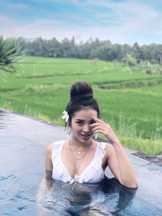 Được xem là người soán danh xưng nữ hoàng bikini của Ngọc Trinh, Phương Trinh Jolie nói gì? - Ảnh 2.