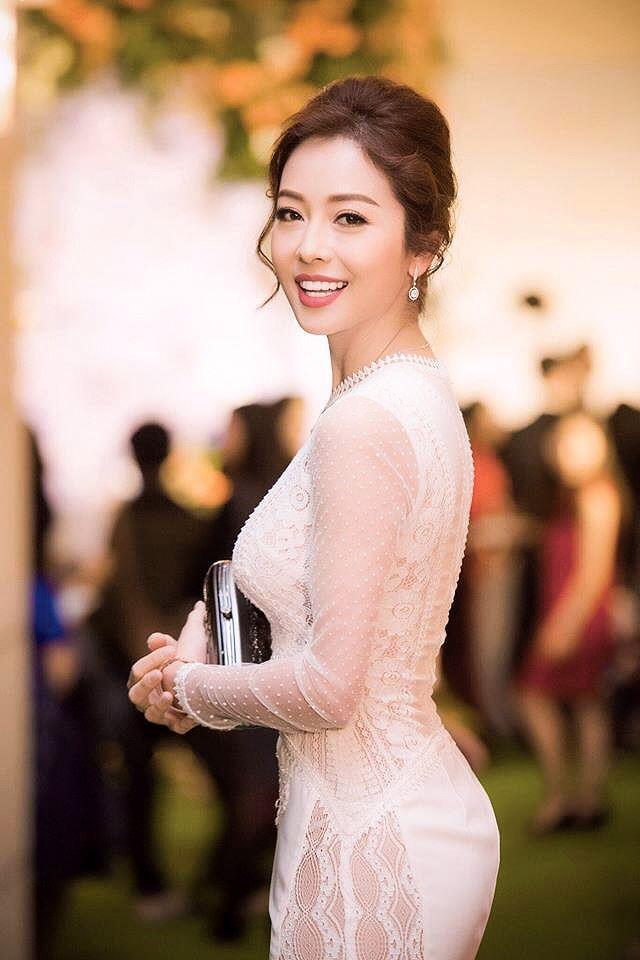 Nhan sắc Jennifer Phạm thay đổi thế nào sau 13 năm gia nhập vào showbiz? - Ảnh 8.