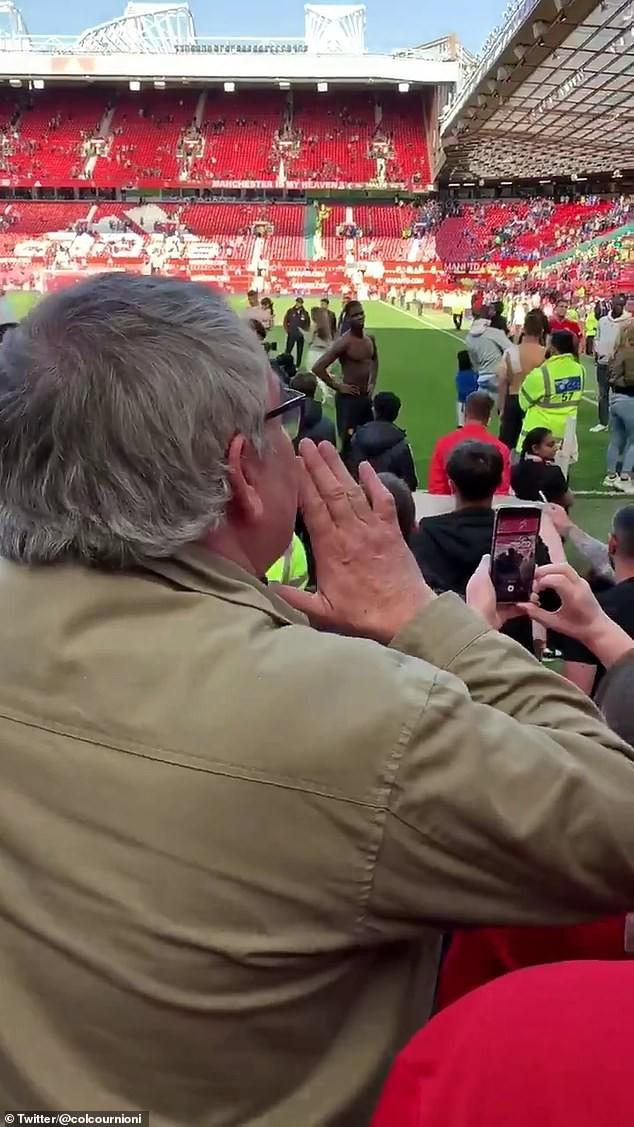Fan MU chửi rủa, đòi đuổi Pogba khỏi Old Trafford - Ảnh 1.