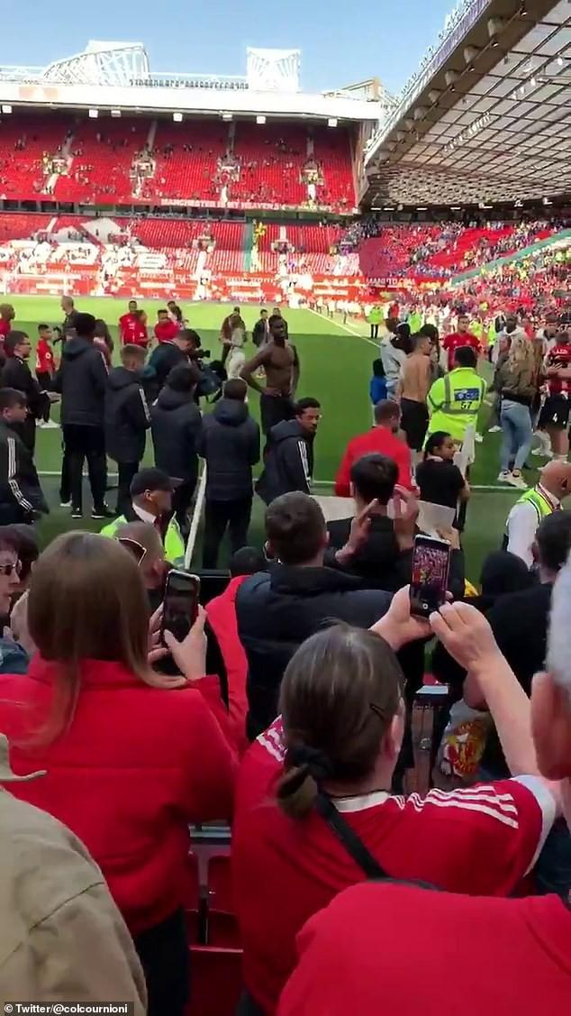Fan MU chửi rủa, đòi đuổi Pogba khỏi Old Trafford - Ảnh 2.
