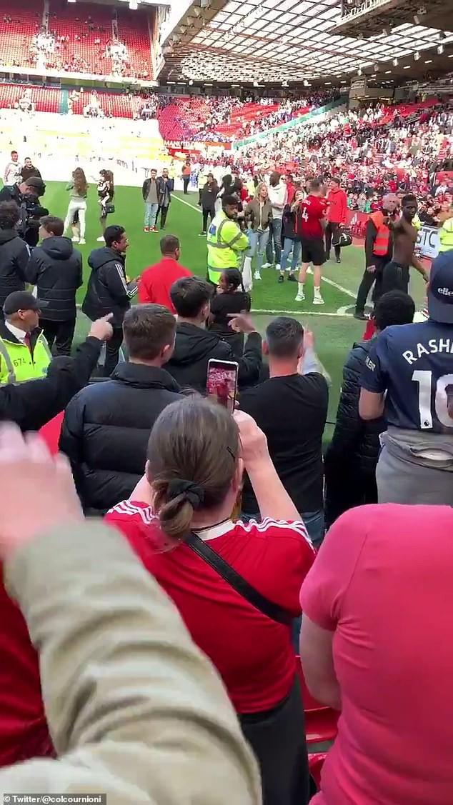 Fan MU chửi rủa, đòi đuổi Pogba khỏi Old Trafford - Ảnh 3.