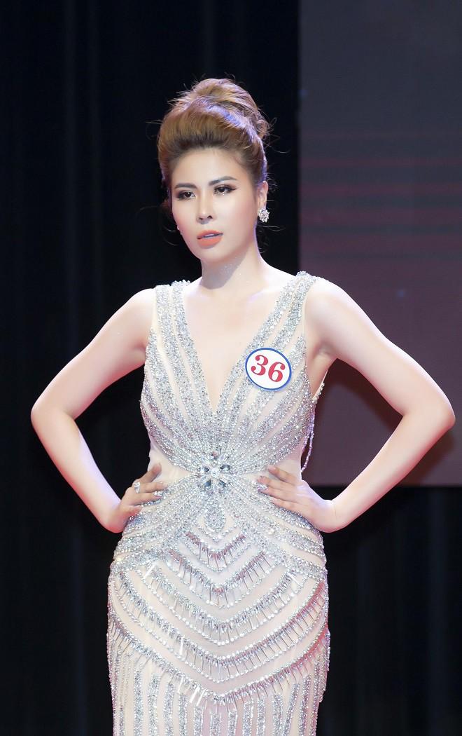 Người đẹp mồ côi cha, từng bán vé số đăng quang Á hậu Sắc đẹp toàn cầu Châu Á 2019 - Ảnh 4.