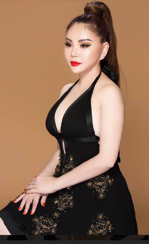Vẻ nóng bỏng của diễn viên hài Lê Giang ở tuổi 47 - Ảnh 5.
