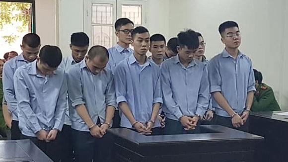 Nhóm côn đồ chém dã man nạn nhân tại bệnh viện ở Hà Nội xin giảm án - Ảnh 1.