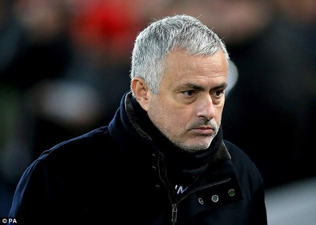 Cay đắng dừng cuộc chơi, Mourinho nói về Man Utd đầy nghiệt ngã - Ảnh 1.