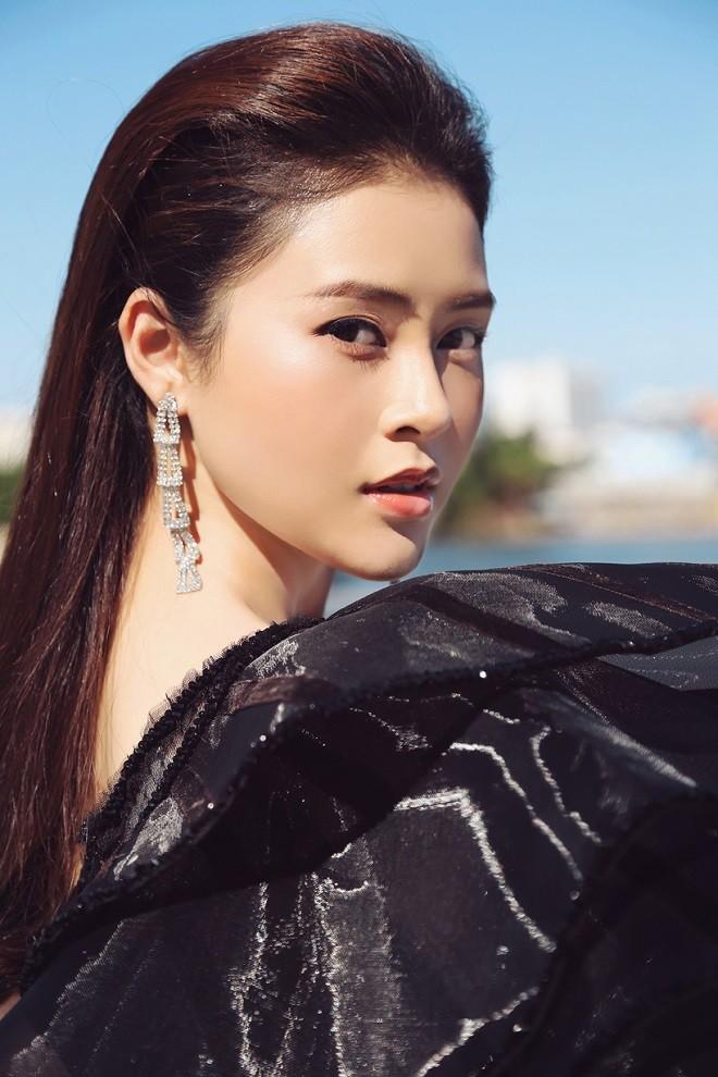 a-hau-ly-kim-thao-goi-cam-1557922438529809147906.jpg