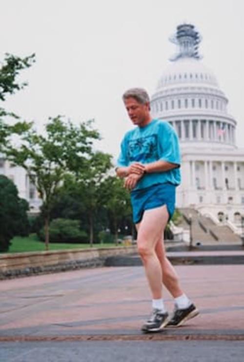 Tổng thống Putin trẻ trung khi vận giày thể thao nổi tiếng của Mỹ  - Ảnh 2.