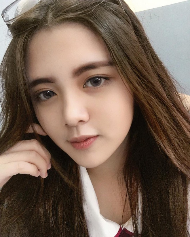 Hội gái xinh mới 17 tuổi đã nổi tiếng rần rần: Toàn cực phẩm học đường, có người được báo Trung ca ngợi với loạt mỹ từ - Ảnh 22.