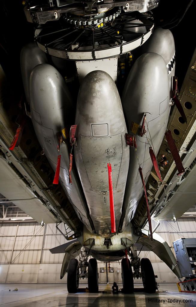 Uy lực của tên lửa AGM-86 được trang bị cho B-52 - ảnh 3