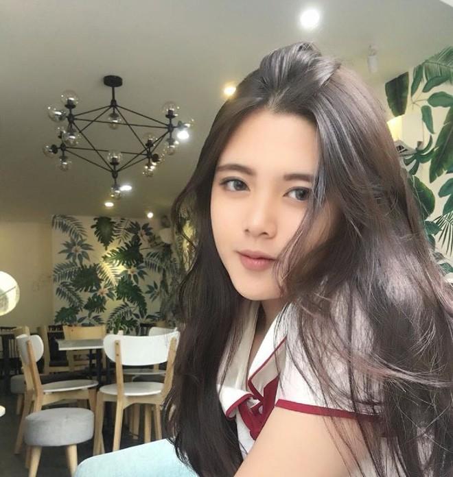 Hội gái xinh mới 17 tuổi đã nổi tiếng rần rần: Toàn cực phẩm học đường, có người được báo Trung ca ngợi với loạt mỹ từ - Ảnh 24.