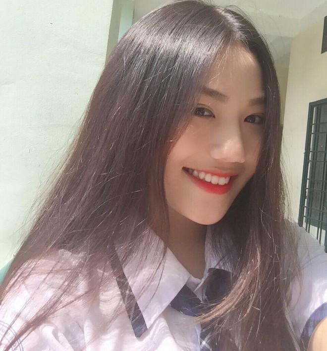Hội gái xinh mới 17 tuổi đã nổi tiếng rần rần: Toàn cực phẩm học đường, có người được báo Trung ca ngợi với loạt mỹ từ - Ảnh 8.