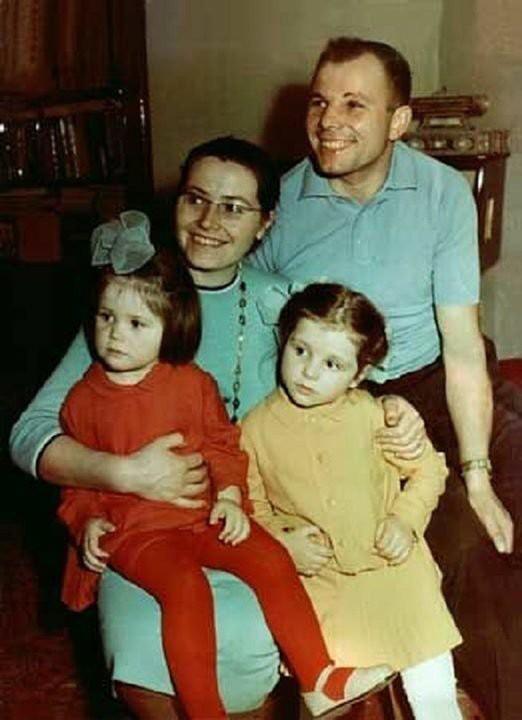 Gia đình của Yuri Gagarin sau ngày anh mất: Yuri đi, mọi thứ thay đổi mãi mãi - ảnh 2