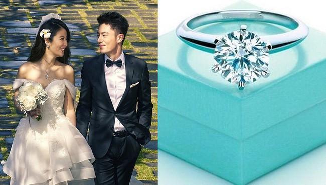 Đọ độ xa hoa của những chiếc nhẫn cưới hàng trăm tỷ đồng: Huỳnh Hiểu Minh - Angelababy hay Lâm Tâm Như cũng phải chịu thua cặp đôi này - Ảnh 3.