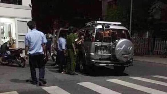 Cảnh sát tạm giữ 2 nghi phạm trong vụ 2 thi thể trong khối bê tông, sau tố giác của người dân - ảnh 1