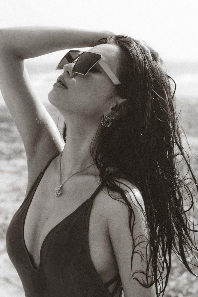 Bích Phương bất ngờ khoe loạt ảnh bikini táo bạo - Ảnh 6.