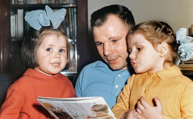 Gia đình của Yuri Gagarin sau ngày anh mất: Yuri đi, mọi thứ thay đổi mãi mãi - ảnh 3