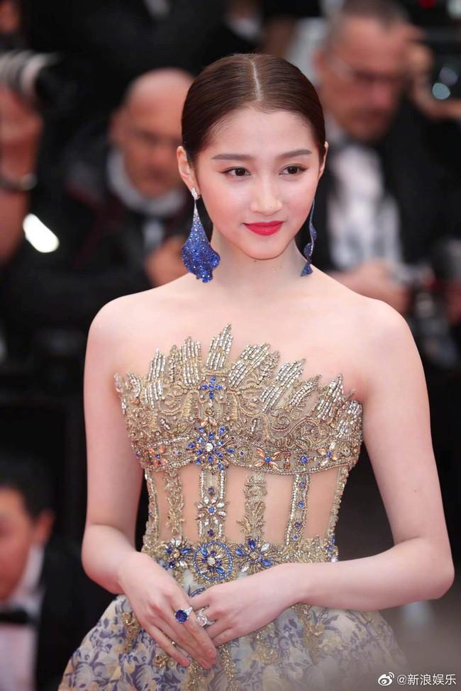Không phải minh tinh Hollywood, dàn mỹ nhân châu Á sau đây mới thống trị thảm đỏ Cannes 2019 - ảnh 14