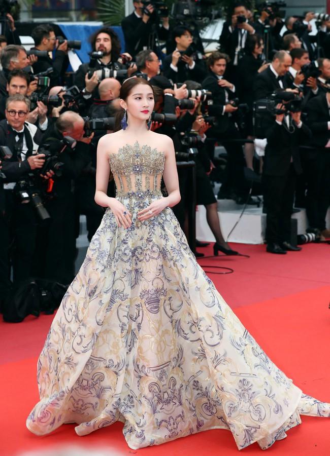 Không phải minh tinh Hollywood, dàn mỹ nhân châu Á sau đây mới thống trị thảm đỏ Cannes 2019 - ảnh 15