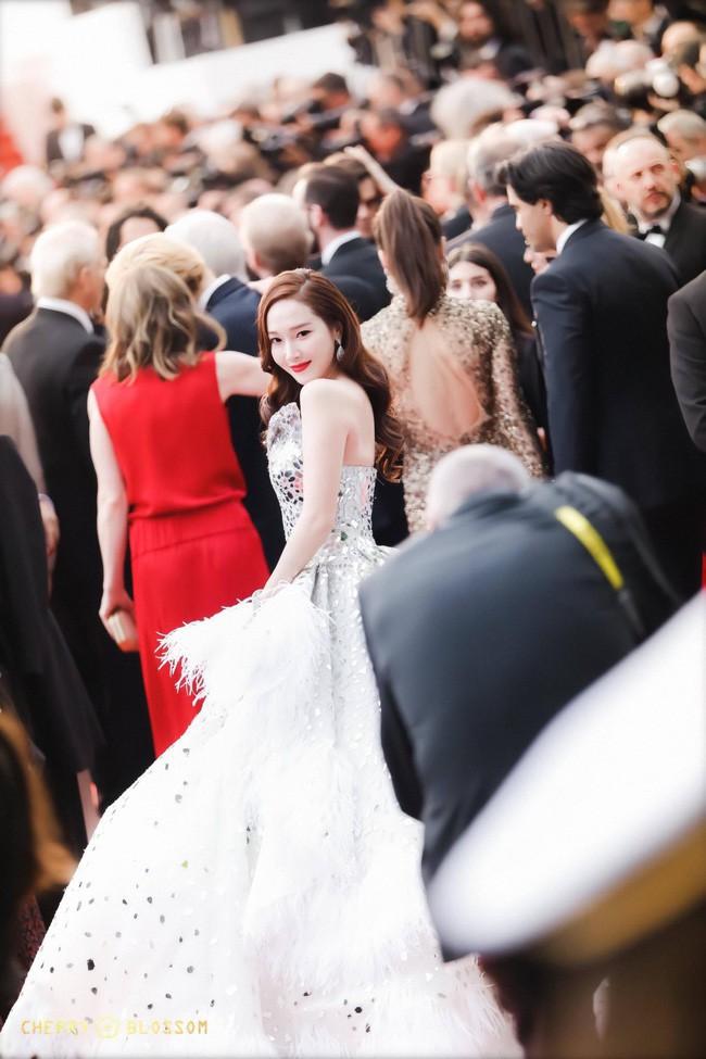 Không phải minh tinh Hollywood, dàn mỹ nhân châu Á sau đây mới thống trị thảm đỏ Cannes 2019 - ảnh 20