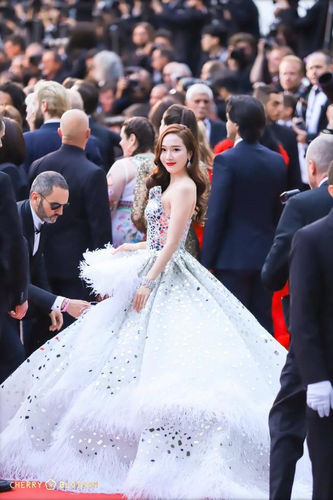 Không phải minh tinh Hollywood, dàn mỹ nhân châu Á sau đây mới thống trị thảm đỏ Cannes 2019 - ảnh 22