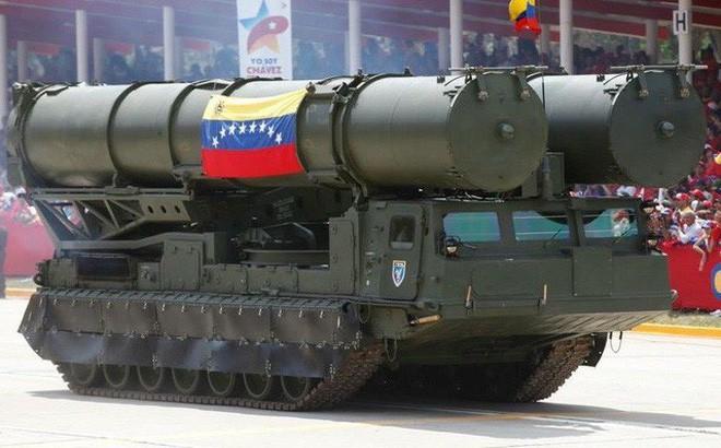 Tên lửa S-300 Nga hùng dũng bảo vệ cả Iran và Venezuela: Mỹ chưa đánh ra run? - Ảnh 2.