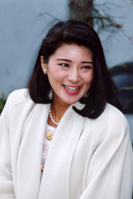 """Từ nhan sắc cho đến phong cách thời trang, Hoàng Hậu Masako Owada đều toát lên khí chất của""""mẫu nghi thiên hạ"""" - Ảnh 3."""