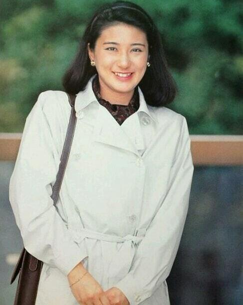 """Từ nhan sắc cho đến phong cách thời trang, Hoàng Hậu Masako Owada đều toát lên khí chất của""""mẫu nghi thiên hạ"""" - Ảnh 7."""