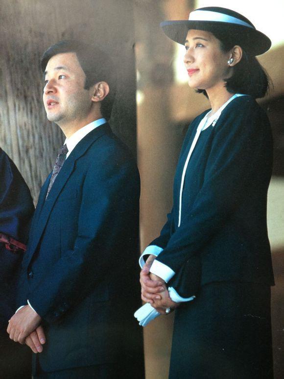"""Từ nhan sắc cho đến phong cách thời trang, Hoàng Hậu Masako Owada đều toát lên khí chất của""""mẫu nghi thiên hạ"""" - Ảnh 13."""