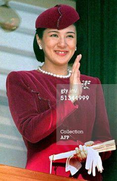 """Từ nhan sắc cho đến phong cách thời trang, Hoàng Hậu Masako Owada đều toát lên khí chất của""""mẫu nghi thiên hạ"""" - Ảnh 21."""