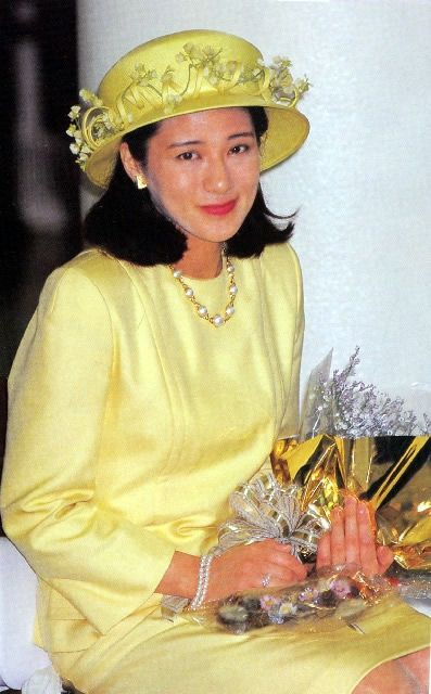"""Từ nhan sắc cho đến phong cách thời trang, Hoàng Hậu Masako Owada đều toát lên khí chất của""""mẫu nghi thiên hạ"""" - Ảnh 22."""