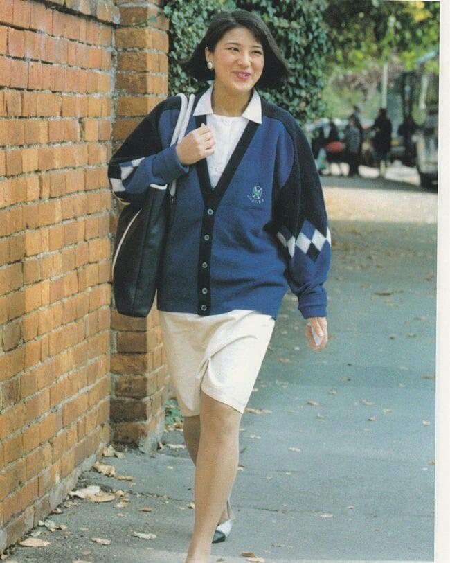 """Từ nhan sắc cho đến phong cách thời trang, Hoàng Hậu Masako Owada đều toát lên khí chất của""""mẫu nghi thiên hạ"""" - Ảnh 8."""
