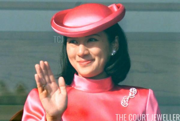 """Từ nhan sắc cho đến phong cách thời trang, Hoàng Hậu Masako Owada đều toát lên khí chất của""""mẫu nghi thiên hạ"""" - Ảnh 23."""