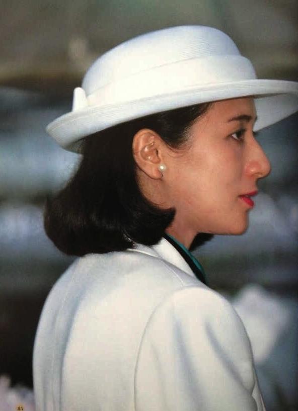 """Từ nhan sắc cho đến phong cách thời trang, Hoàng Hậu Masako Owada đều toát lên khí chất của""""mẫu nghi thiên hạ"""" - Ảnh 5."""
