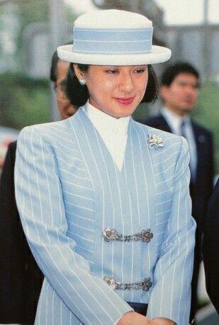 """Từ nhan sắc cho đến phong cách thời trang, Hoàng Hậu Masako Owada đều toát lên khí chất của""""mẫu nghi thiên hạ"""" - Ảnh 24."""