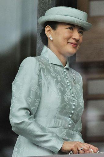 """Từ nhan sắc cho đến phong cách thời trang, Hoàng Hậu Masako Owada đều toát lên khí chất của""""mẫu nghi thiên hạ"""" - Ảnh 25."""