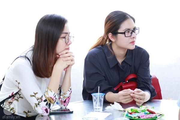 Nghệ sĩ Quyền Linh, Vân Trang mắt đỏ hoe, thẫn thờ ôn lại những kỷ niệm cùng cố nghệ sĩ Lê Bình - Ảnh 5.