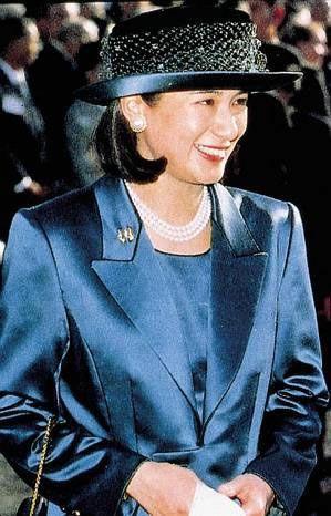 """Từ nhan sắc cho đến phong cách thời trang, Hoàng Hậu Masako Owada đều toát lên khí chất của""""mẫu nghi thiên hạ"""" - Ảnh 26."""