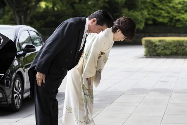 Ảnh: Thủ đô Tokyo trang nghiêm, náo nhiệt và đẹp như tranh vẽ trong ngày đầu tiên dưới thời Lệnh Hòa - Ảnh 8.